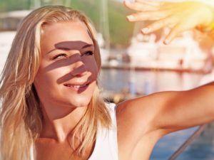 ¿Sabes cómo cuidar tus ojos en verano?